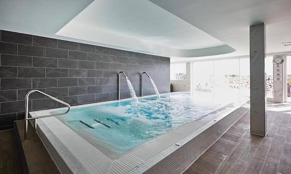Hilton ageas bowl bos leisure bristol hot tubs bristol - Hotels in bath with swimming pool ...