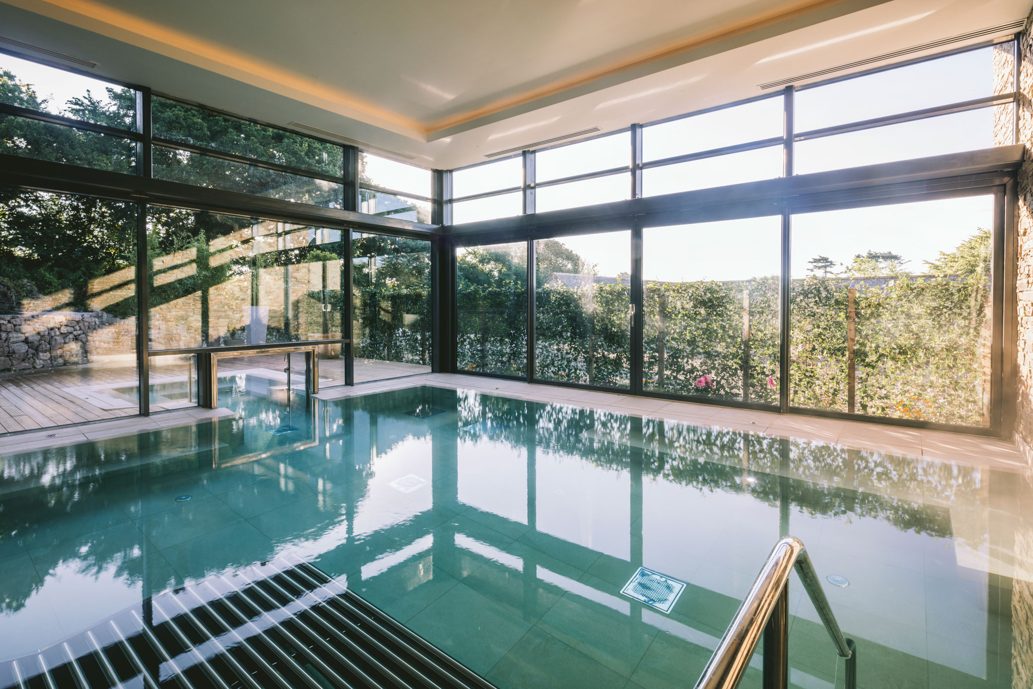 Boringdon hall gaia spa bos leisure bristol hot tubs bristol hot tubs bath swimming pools for Plymouth hotels with swimming pools